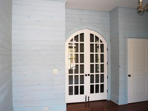 Specialty painting contractor offering custom paint techniques for staining, lacquering, faux finishes, glazing and other specialized finishing methods